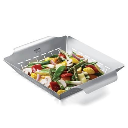 De Feestdagen | Dankzij deze groentemand kunt u gemakkelijk groenten grillen op de barbecue. Ook kan de basket gebruikt worden als wok voor reepjes kipfilet of rundvlees. De basket is gemaakt van RVS en heeft praktische handvatten.